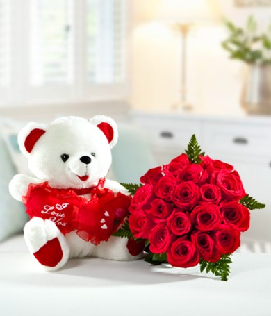 Bear Hug Rose Bouquet